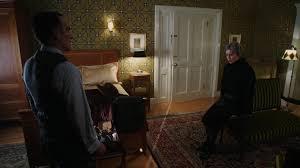 femme de chambre argonienne image 4x18 isaac heller madeline discussion chambre d hôtel