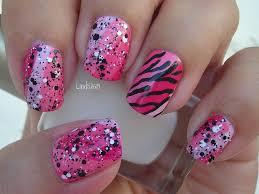 nail art october in pink funky pink zebra decoracion de uñas