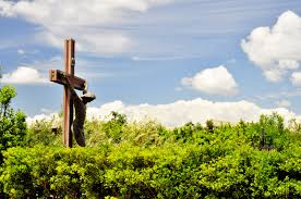 jesus on the cross garden monument during day time free image peakpx