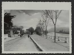 actuel bureau file le quai des marrronniers vers l ée 1905 a gauche on