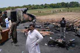 roll royce bahawalpur 146 killed in pakistan oil tanker explosion iol news