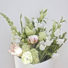 flower subscription 4 x blooms of the day flower subscription package bloom social