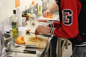 atelier cuisine atelier cuisine de la résidence foyer de jeunes travailleurs la