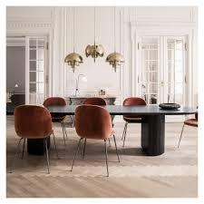 chaise gubi chaise beetle velours bleu piétement noir gubi dining chairs