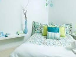 couleur reposante pour une chambre quelles couleurs pour une chambre d adulte par moncornerdeco