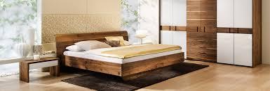 schlafzimmer naturholz zirbe bett kleiderschrank massivholz forcher tirol