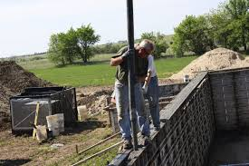 pouring the basement walls 5 jpg