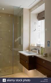 colour interior bathroom washbasin masculine toiletries window