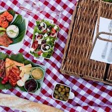 franschhoek wine valley picnics