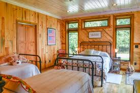 Pine Ceiling Boards by Prefinished Paneling