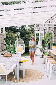 Garden Bench With Trellis by Garden Trellis Support Plants Reach Their Potential Designrulz