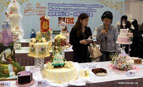 wedding cake hong kong visitors view wedding cakes during int l cake competition in hk