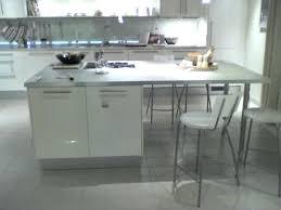 cuisine sur pied ilot central avec table exceptional central cuisine 4 cuisine
