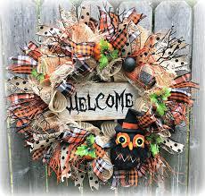ghostly handmade halloween wreath ideas for spooky home decor