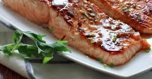 cuisiner le saumon le saumon miel et ail un pur délice recettes ma fourchette