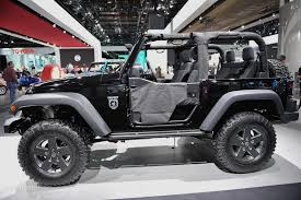 call of duty jeep emblem 2011 naias jeep wrangler call of duty black ops edition live