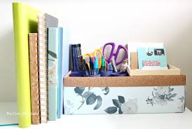 How To Keep Your Desk Organized An Upcycled Diy Pen Organizer For Your Work Space The
