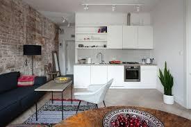 sofa esstisch wohnküche in braun mit wohnbereich mit hellblauem sofa küche