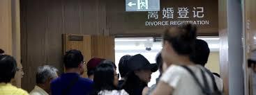 bureau de l 騁at civil a shanghai les couples divorcent pour investir dans l immobilier