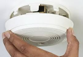 flashing green light on kidde smoke detector smoke detector beeping chirping 30 seconds how to reset
