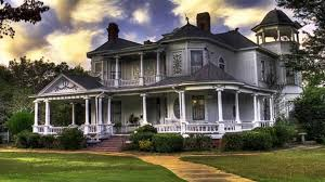 neoclassical homes here s what industry insiders say about neoclassical homes