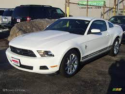 2010 Black Ford Mustang 2010 Performance White Ford Mustang V6 Premium Coupe 26935230