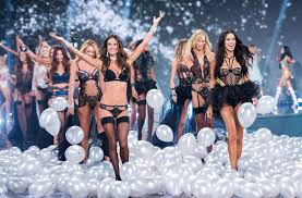victoria s the most iconic victoria s secret models of all time popsugar