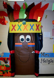 backyards thanksgiving door decoration ideas design for school