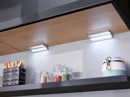 eclairage sous meuble cuisine led eclairage sous meuble haut cuisine 2017 avec eclairage meuble