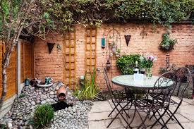 Patio Palace Windsor by The Archbishops Place Cottage London Uk Booking Com