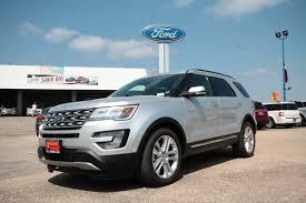 2017 ford explorer platinum 2017 ford explorer platinum 4 door 4wd suv standardequipment