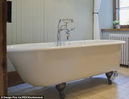 High Heel Bathtub Justin Bieber U0027was Baptized In Nba Star Tyson Chandler U0027s Bathtub