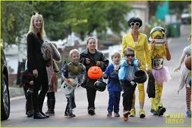 jimmy johnson halloween costume julie bowen psy u0027s sidekick halloween costume photo 2984323