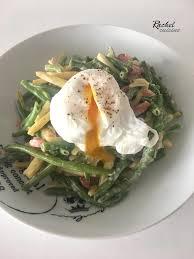 comment cuisiner des haricots verts haricots verts carbonara et œuf poché cuisine