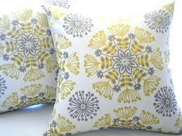 gray throw pillows u2013 despecadilles com