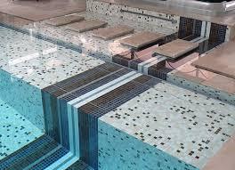 carrelage grand format pour piscine emaux ezarri daikiri beige marron métal concept mosaïque