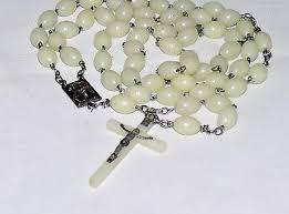 glow in the rosary vintage 60 s luminous thermoset glow in the beaded