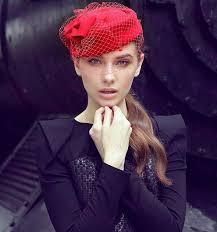 chapeau pour mariage chapeau de mariage femme en drape de multi couleurs dome