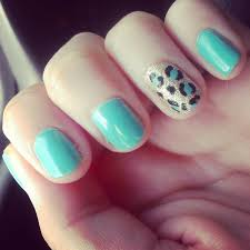 mislaid mind summer cheetah print nails