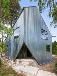 happy cheap house a low cost prefab home by tommy carlsson
