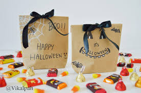 halloween gifts to make vikalpah last minute halloween diys treat bags u0026 decor ideas