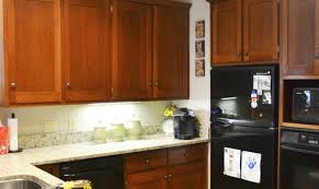 28 cleaning kitchen cabinets before painting painting cleaning kitchen cabinets before painting don t paint your cabinets before you see these 11 tips