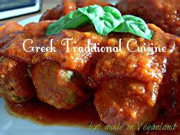 cuisine grecque traditionnelle soutzoukia du grec boulettes à la sauce tomate