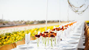 A Flower Vase 10 Ways To Make The Most Of A Flower Farm Dinner Sunset