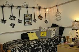 college bedroom decorating ideas room wall decor ideas best 25 college walls ideas on
