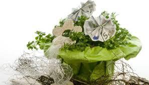 blumen geschenke zur hochzeit geldgeschenke zur hochzeit schön verpackt