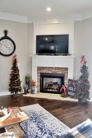 suddenly southern blog christmas fireplace 2017