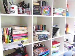 messy shelves queen of contemporary