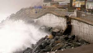 pacifica siege calif residents fear seaside homes may crumble in pounding surf
