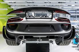 porsche 918 engine porsche 918 parts pricelist revealed it u0027s eye watering engine